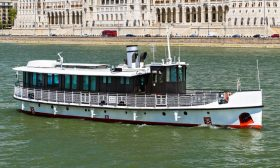 River Boat Panorama 3 VIP - Budapest Danube Boat Cruise