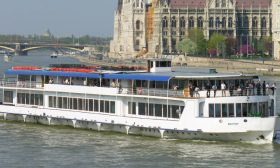 River Boat Budapest 3 - Budapest Danube Boat Cruise