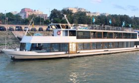 River Boat Budapest 5 VIP - Budapest Danube Boat Cruise
